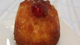Lynn's Mini Pineapple Upside Down Cakes