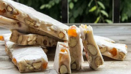 How to Make Apricot and Almond Nougat
