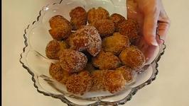Feisty Sugar and Cinnamon Doughnut Holes