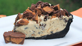 Frozen Reese's Pie AKA The Cookout Pie