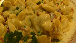 Betty's Creamy Tortellini Carbonara