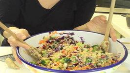 Crunchy, Healthy, and Easy Quinoa Salad