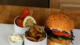 Crabcake Burger with Horseradish and Fries