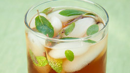 Arnold Palmer Mint Iced Tea and Strawberry Lemonade