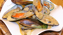 Red Curry Mussels with Coconut Milk