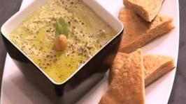 Mint Hummus with Pita Bread