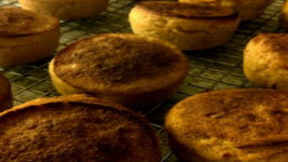 How to Bake Sweet Cornbread Muffins from Scratch