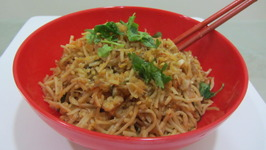 Chinese Style Stir Fry Noodles with Chilly Garlic Sauce