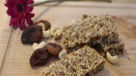 How to make Apricot and Cashew Nut Snack Bars internationalwomen