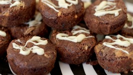 Peanut Butter-Swirl Brownie Muffins