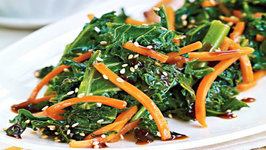 Kale, Carrots and Sesame Seeds with Stir-Fry Sauce