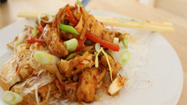 How to make Hot and Sour Chicken Noodles