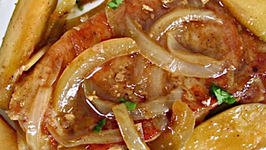 Pork Chops with Onion and Apple Sauce