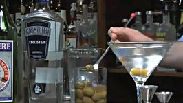 How to Make a Dirty Martini - Dirty Martini Drink