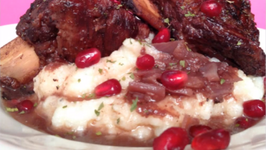 How to Make Pomegranate Braised Ribs