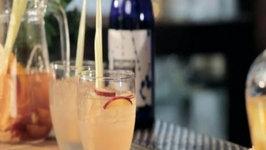 How to Make a Sake Sangria