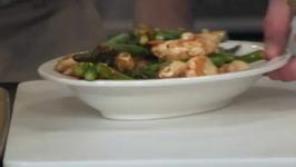 Chicken Asparagus and Pistachio Stir-Fry