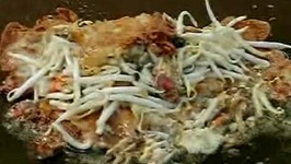 Make Fried Mussels in a Batter (Hoi Tod)