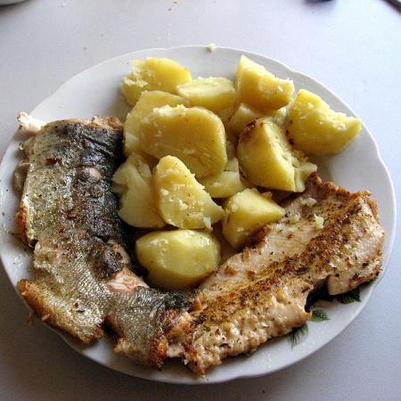 Pstruh duhový a brambory