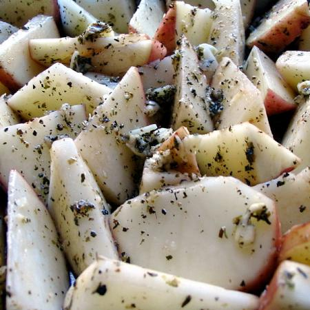 Potatoes with garlic, grease and spice