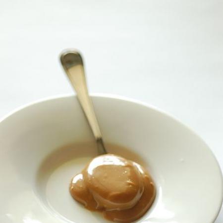 Cuchara con dulce de leche