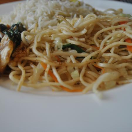 Noodles With Stir-Fried Vegetables