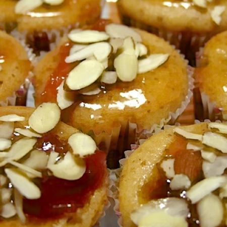 sliced almonds sprinkled cupcakes