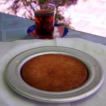 Turkish künefe and tea