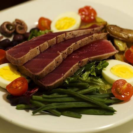 Salade niçoise ingredients
