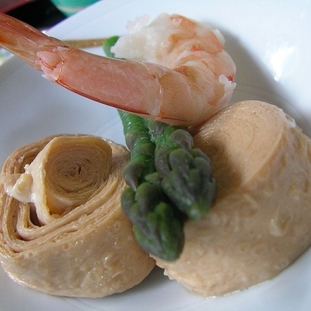 Yuba with shrimp and asparagus by jetalone in Isehara