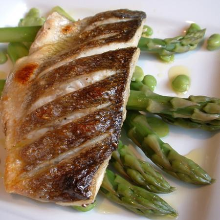 Grilled Sea Bass With Asparagus Spears