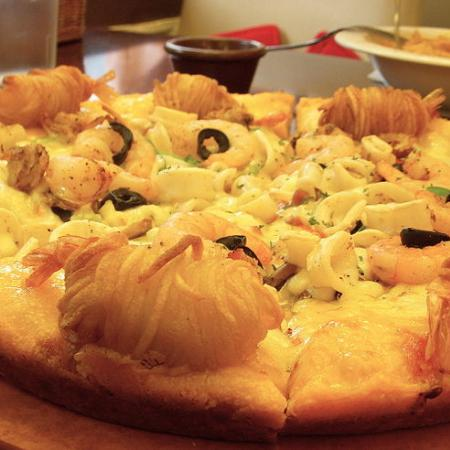 Small Seafood Pizza