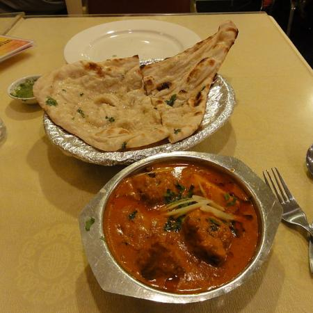 Naan with Fish Curry