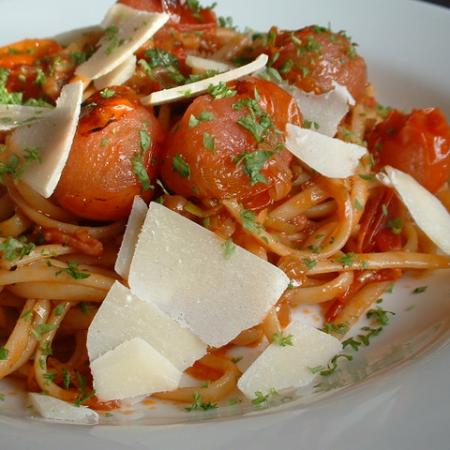 Linguine With Roasted Tomato And Bacon