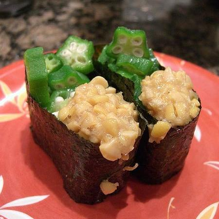 Natto and okra Sushi