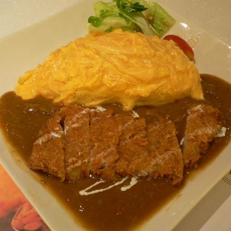 Omurice curry with tonkatsu
