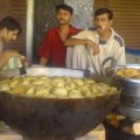 My Food Gallery ( Pakistani Foods) - Cooks Tasting the Food