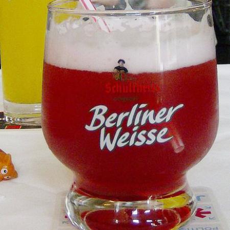 Berliner Weisse mit Strohhalm