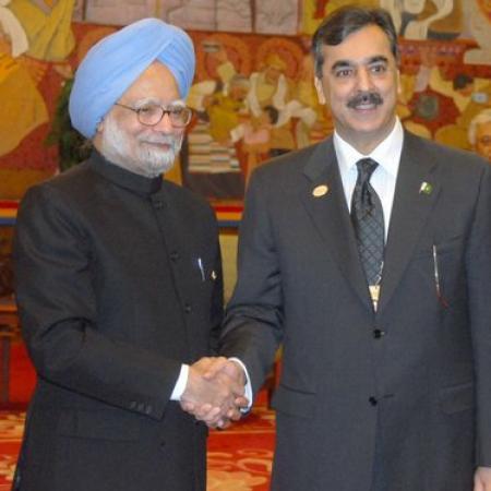 Manmohan Singh And Yousuf Gilani Meeting