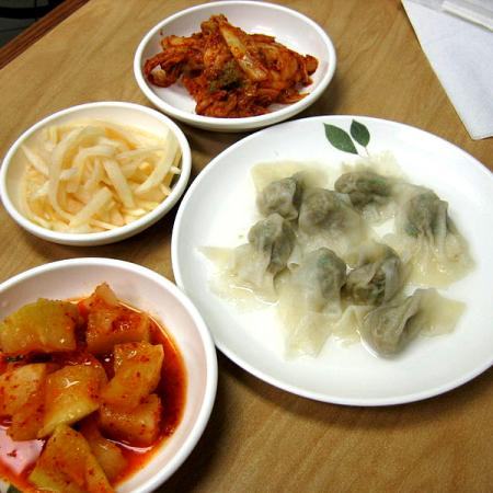 Mandu and kimchi