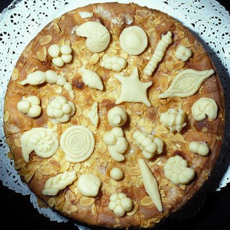 Apple-pie foraminifera