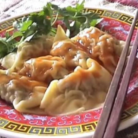 Chinese Dinner Menu - Chinese Dumpling With Hot And Sour Sauce