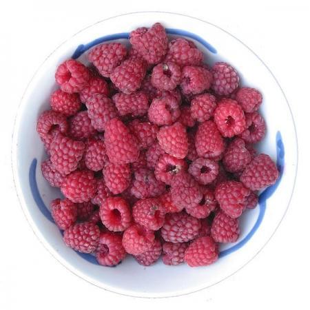 Framboos vruchten in schaal