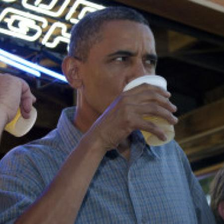 President Obama Campaigns Out with a Bus Load of Homebrewed Beer
