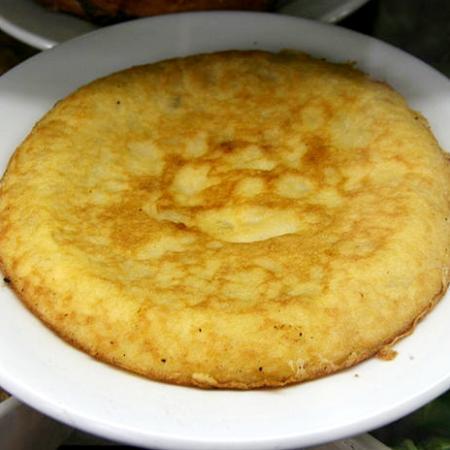 Tortilla de patatas en un plato