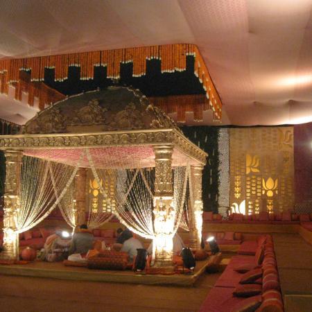 Saadi Ka Mandap - Couples Getting Married