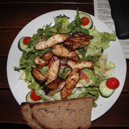 Salad with chicken strips