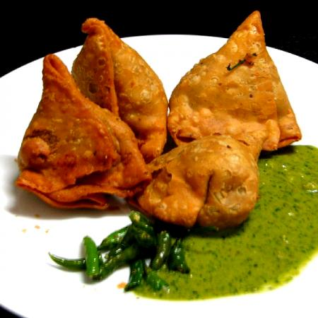 Samosa with Green Chutney and Chillies