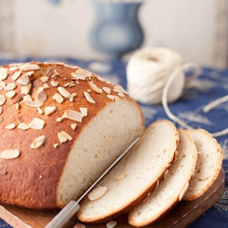 Apple Bread with Almonds