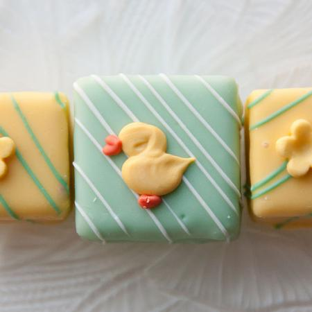 Yellow and green Easter petits